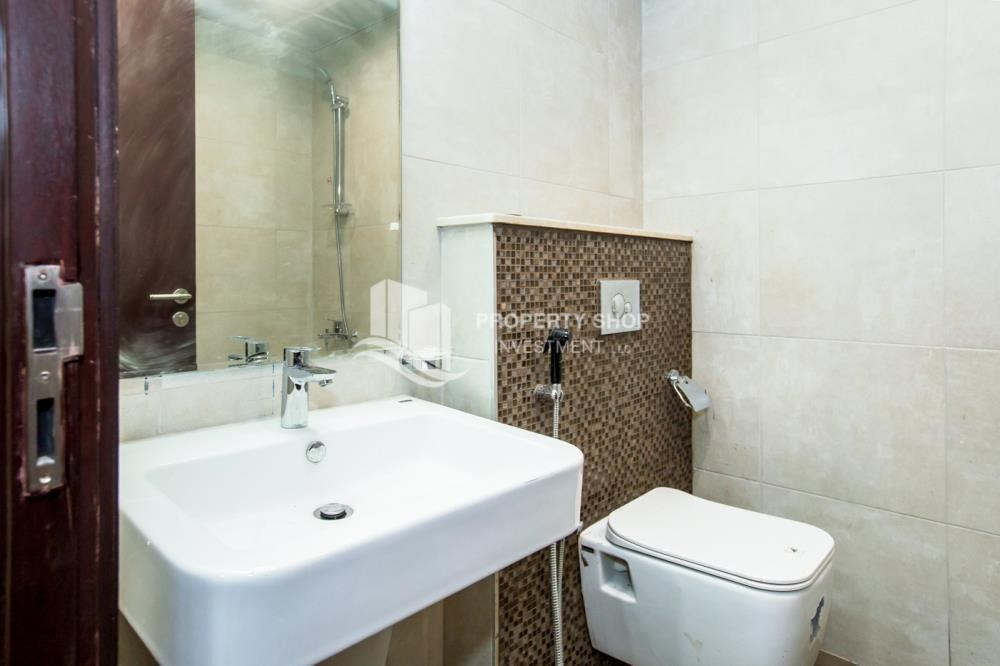 Bathroom - Spacious Studio with Balcony in Brand New Property