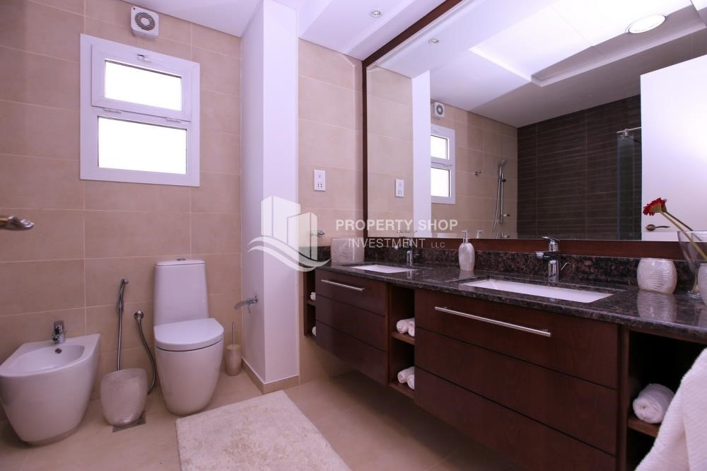 Bathroom - Stunning Villa w/ great facilities for sale