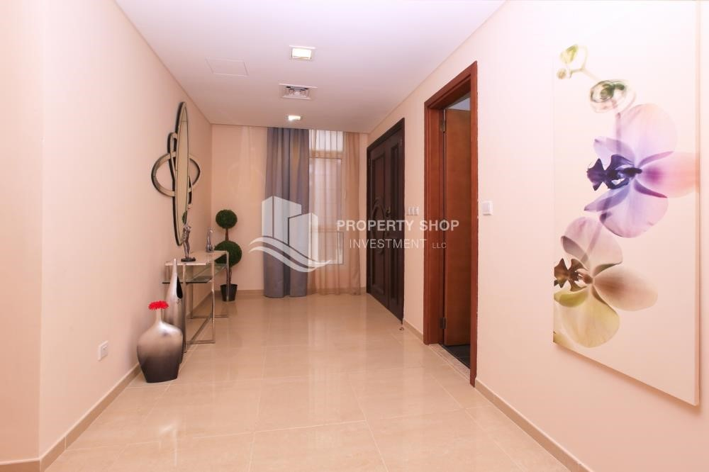 Corridor - Stunning Villa w/ great facilities for sale
