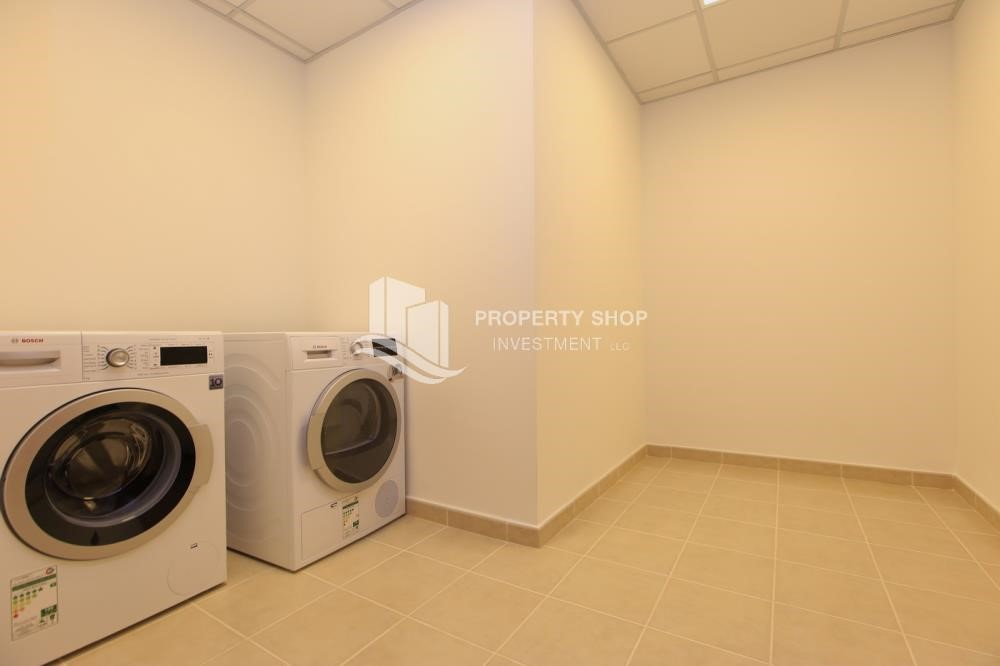Laundry Room - Stunning Villa w/ great facilities for sale