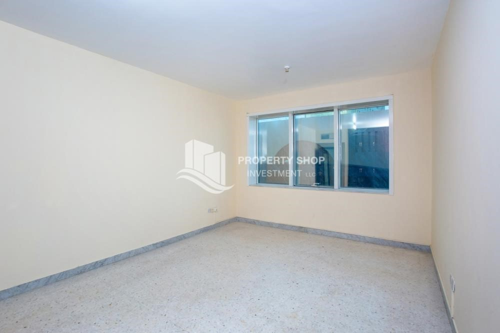 Bathroom - Prestigious 3 Bedroom Apartment in Corniche Area for rent.