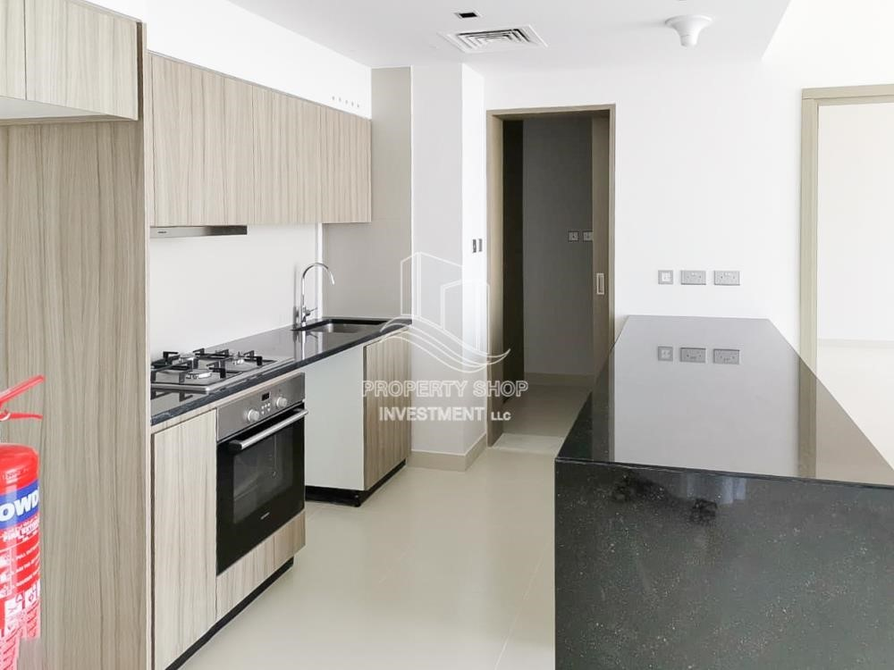 Kitchen - Vacant 2BR Apt on High floor in a brand new tower.