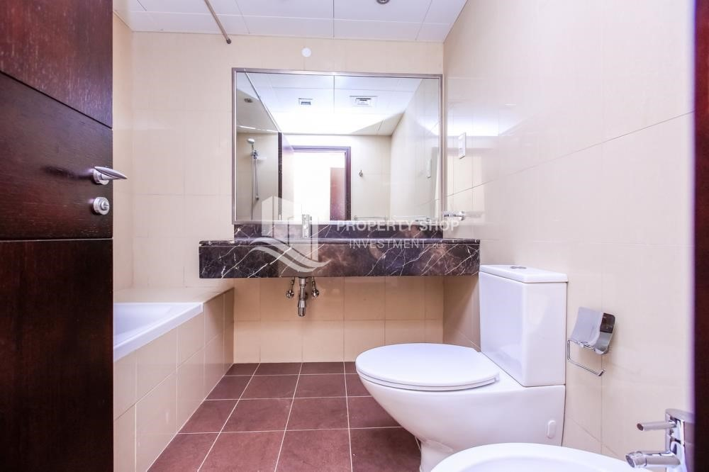 Bathroom - 1+1, high standard apartment in Sky Tower