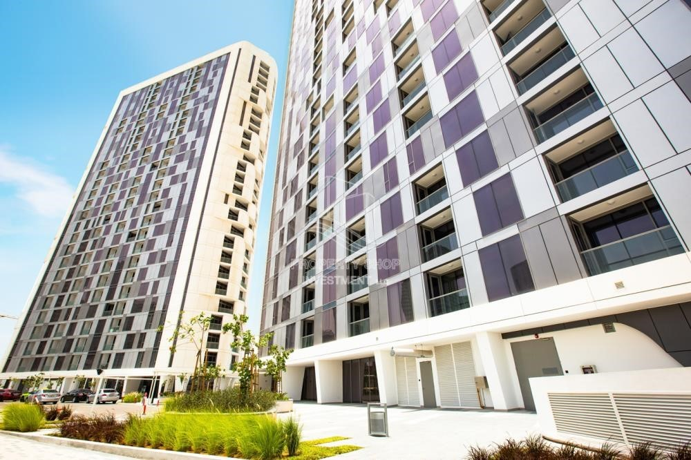Property - Brand new 3 br apartment in Meera Tower 1 available for rent immediately