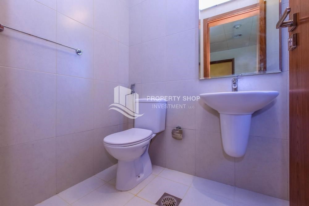 Bathroom - 4BR Villa with Great Offer for Sale