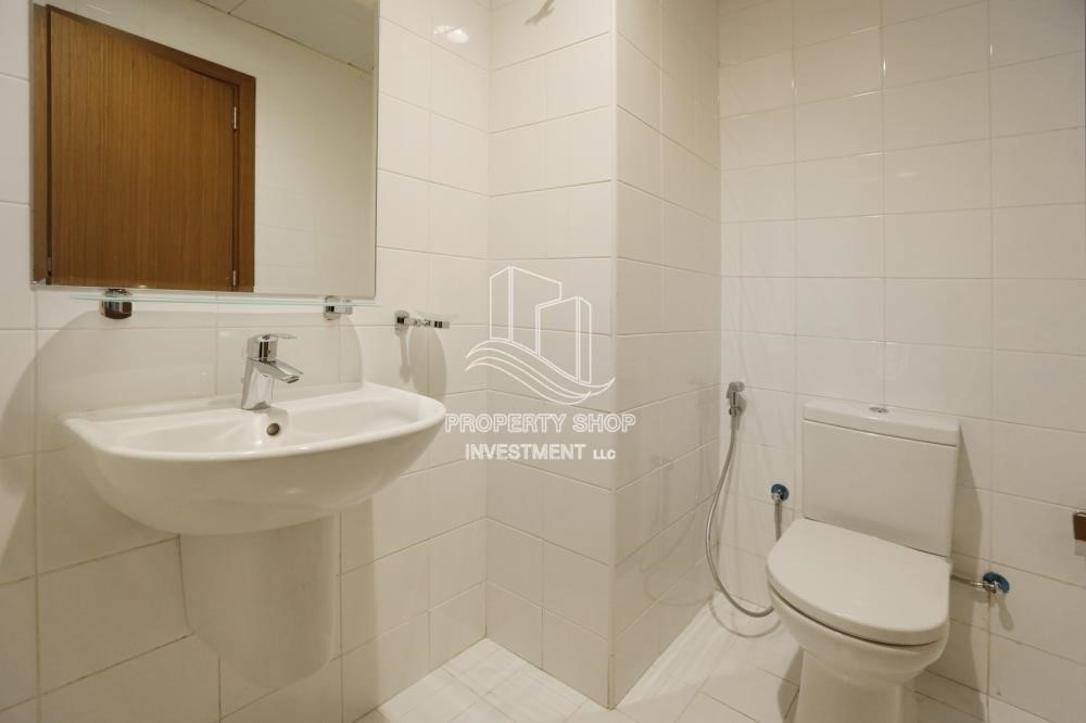 Bathroom - Relaxed Ambiance in Al Raha Beach, 2BR+M Apt Available for rent!
