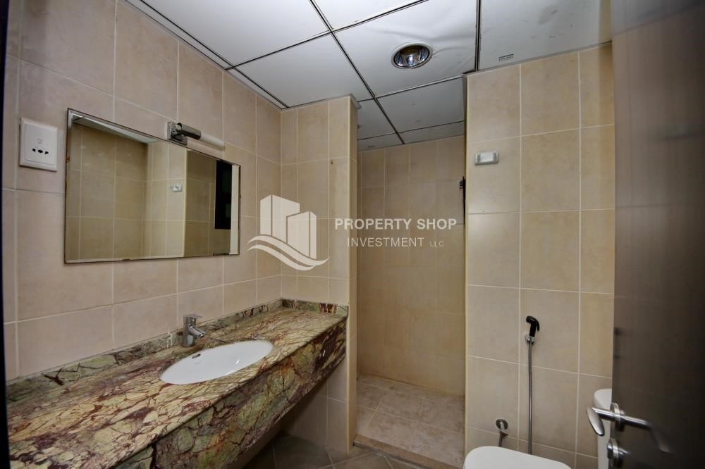 Bathroom - Zero Commission, Ready to Move In !! 4+M Villa with Gym, Pool and Flexible 12 Payment Options