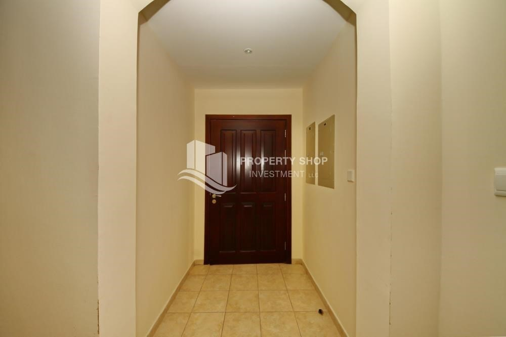 Foyer - Zero Commission, Ready to Move In !! 4+M Villa with Gym, Pool and Flexible 12 Payment Options