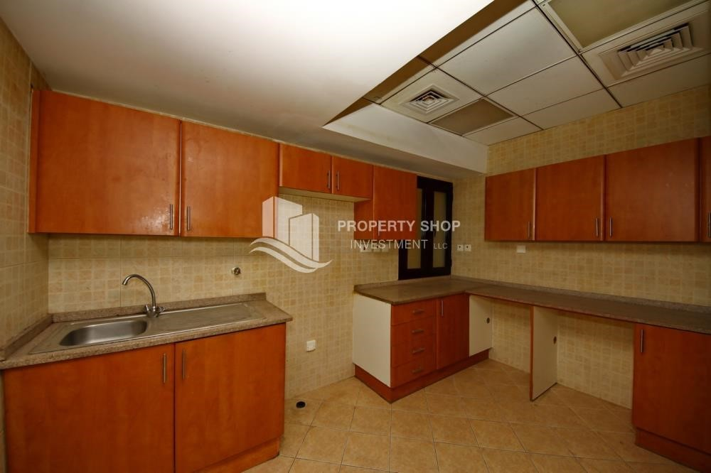 Kitchen - Zero Commission, Ready to Move In !! 4+M Villa with Gym, Pool and Flexible 12 Payment Options