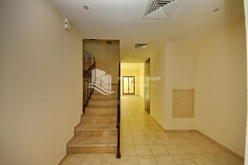 Stairs - Zero Commission, Ready to Move In !! 4+M Villa with Gym, Pool and Flexible 12 Payment Options
