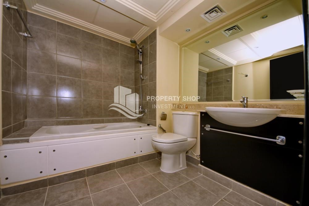 Bathroom - High End Living in a 3BR with Study Villa.