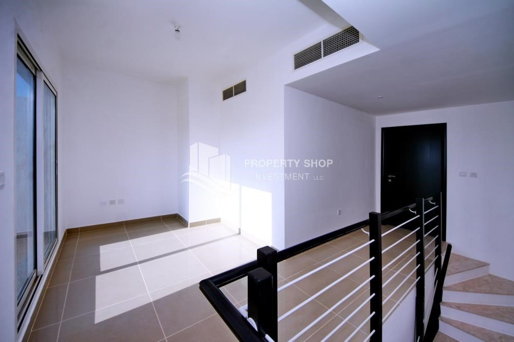 Study - High End Living in a 3BR with Study Villa.