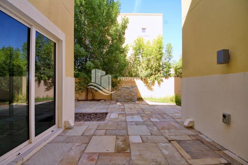 Courtyard - Huge 4br+Maid Townhouse with Rental Refund