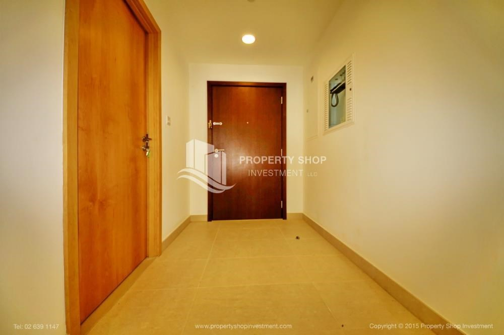 Foyer - Sea view Apt upto 12 Cheques + No Leasing Commission.