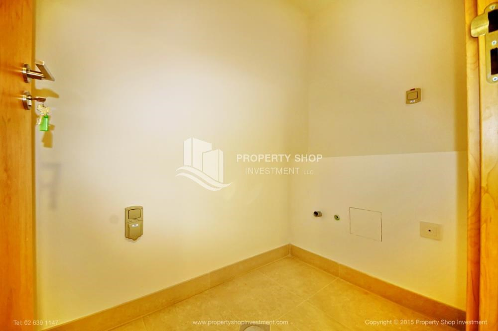 Laundry Room - Sea view Apt upto 12 Cheques + No Leasing Commission.