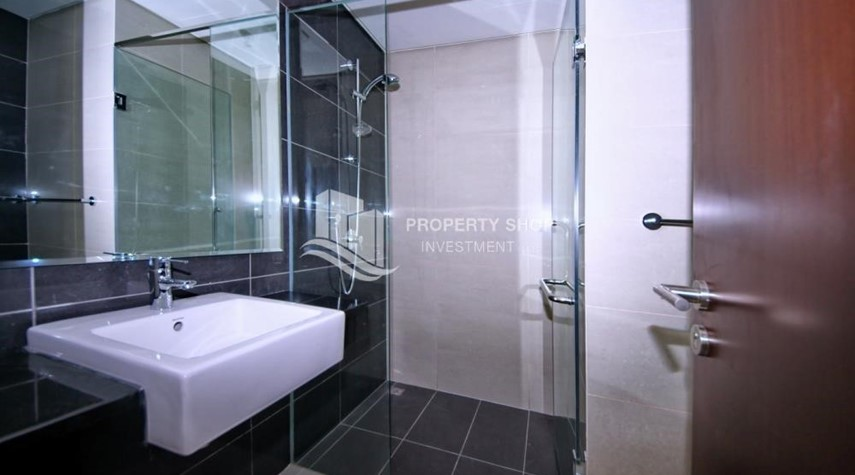Bathroom-2 Bedroom Apartment in Burooj View, Marina Square FOR RENT!