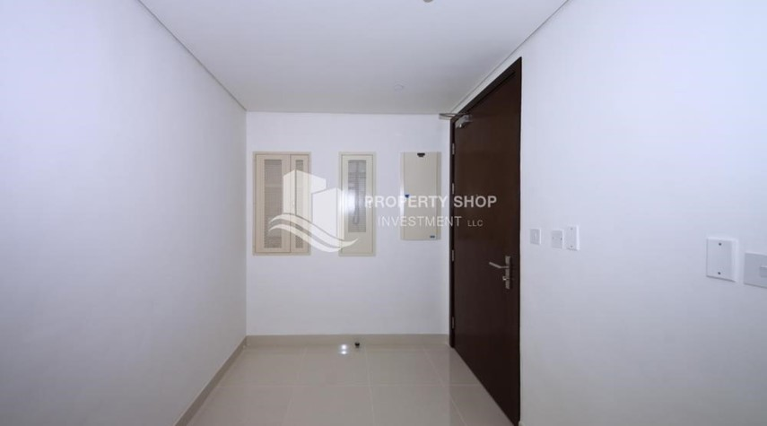 Foyer-2 Bedroom Apartment in Burooj View, Marina Square FOR RENT!