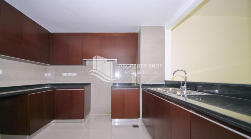 Kitchen-2 Bedroom Apartment in Burooj View, Marina Square FOR RENT!