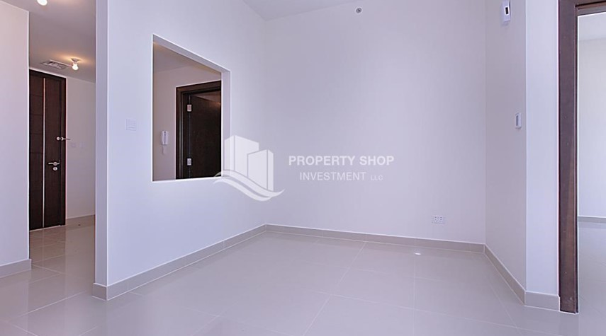 Dining Room-Mid-floor 1BR unit in Marina Bay, City of Lights, for rent