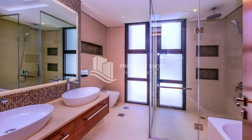 Master Bathroom-Live in your dream home! Own a luxurious villa in West Yas.