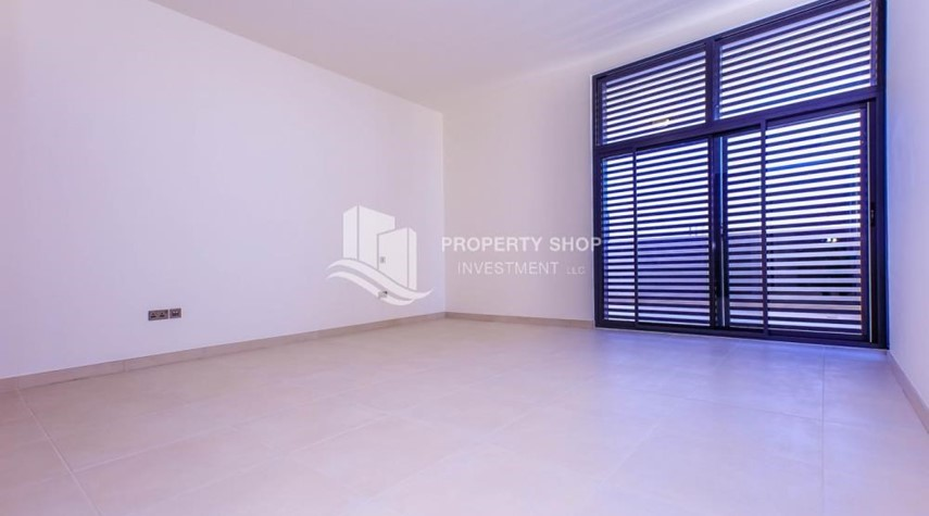 Master Bedroom-Get a chance to own a property in an exquisite community in West Yas.