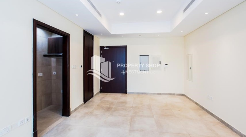 Bedroom-Studio apartment available to rent in Al Noor Tower