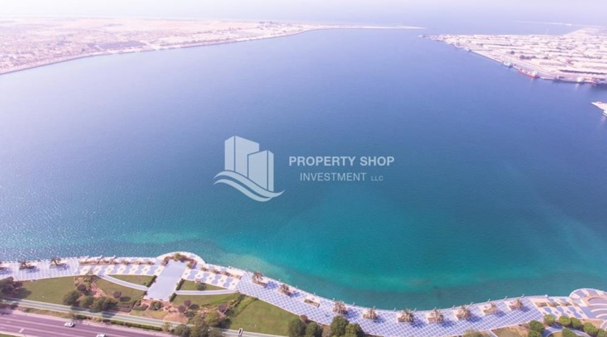 Community-Spacious 4BR Apt with City and Partialy sea view