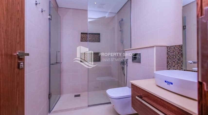 Bathroom-4BR villa in west yas now ready to move in