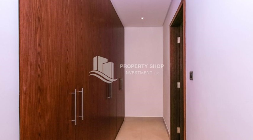 Built in Wardrobe-4BR villa in west yas now ready to move in
