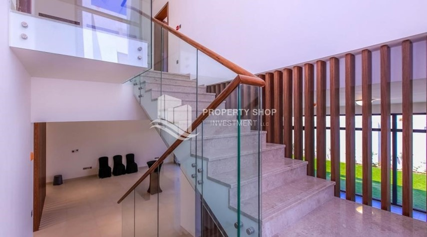 Stairs-4BR villa in west yas now ready to move in