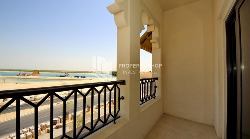 Balcony-1br Apartment in Saadiyat Island Ready to Move in Now!