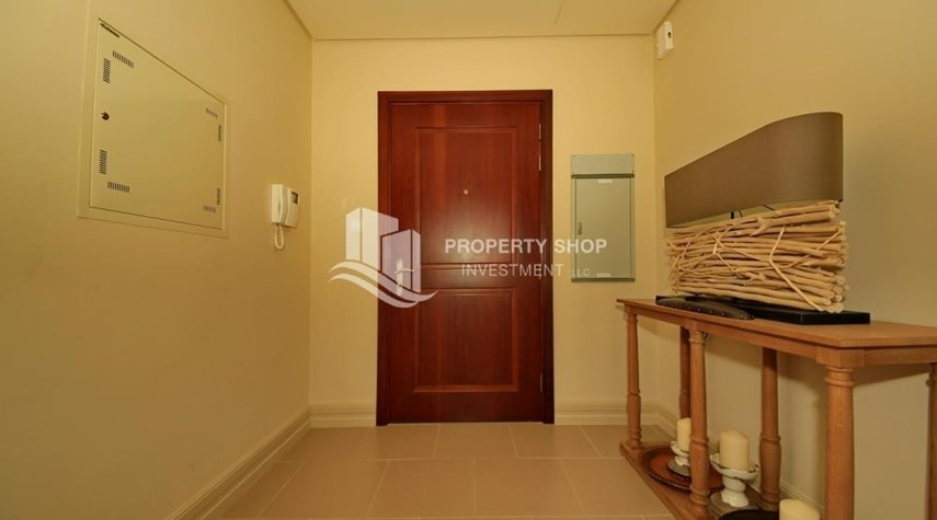 Foyer-1br Apartment in Saadiyat Island Ready to Move in Now!