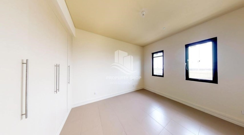 Bedroom-High Floor Overlooking Community. 4 Cheuqes. Book Now