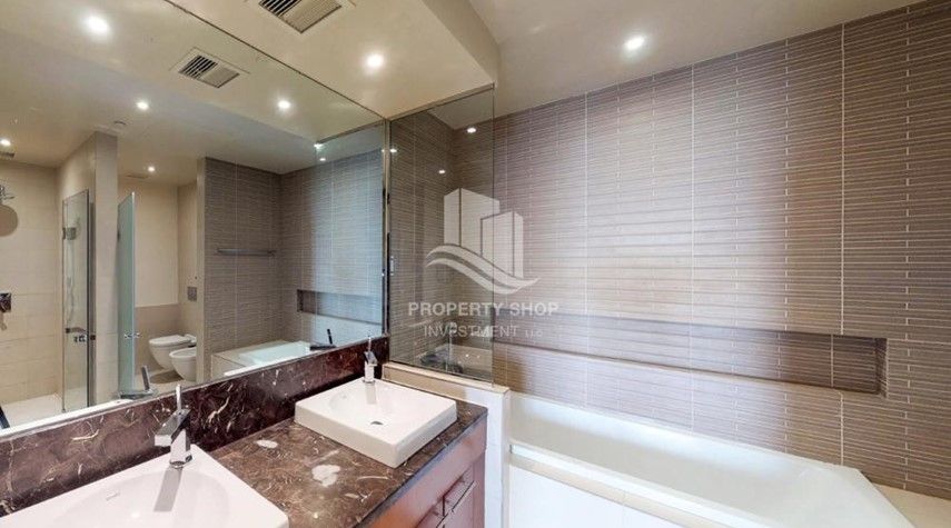 Bathroom-High Floor Overlooking Community. 4 Cheuqes. Book Now