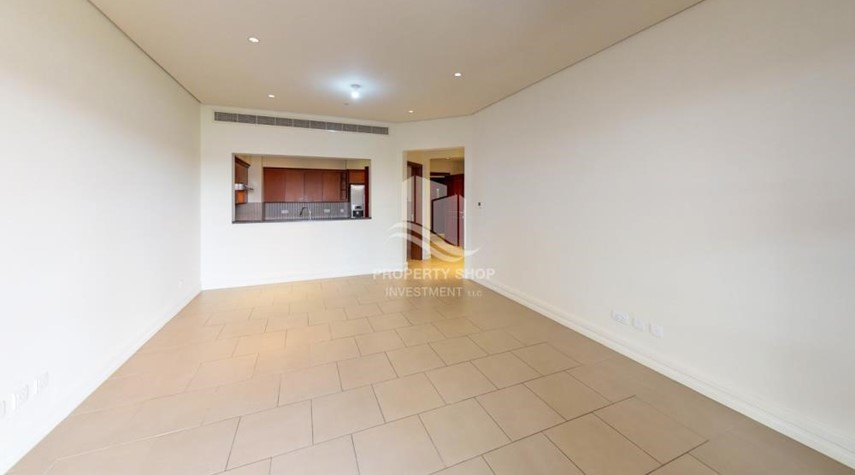Dining Room-Modern & Bright 2Br With 4 Cheques For Rent