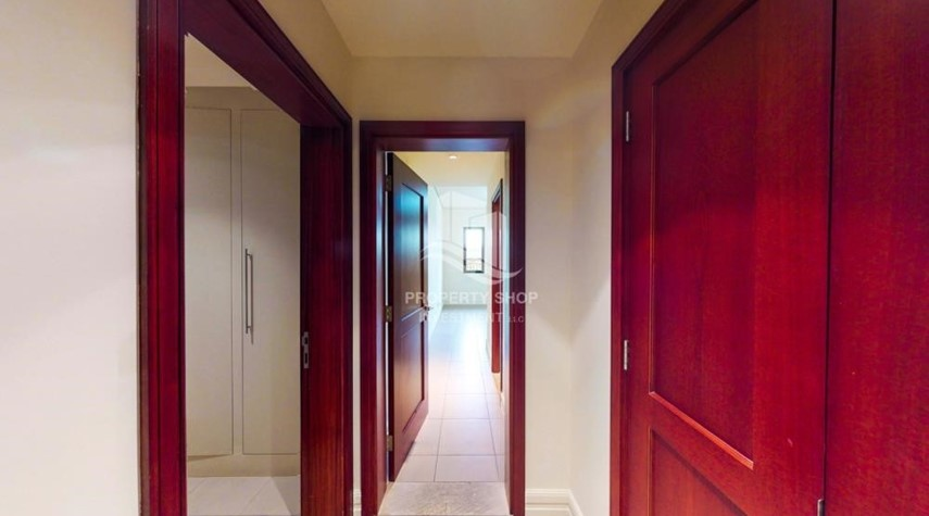 Corridor-Modern & Bright 2Br With 4 Cheques For Rent