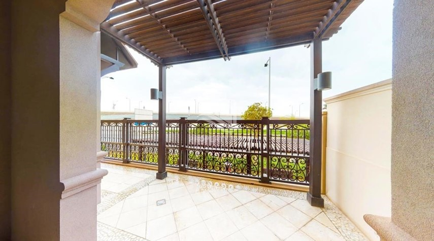 Balcony-Modern & Bright 2Br With 4 Cheques For Rent