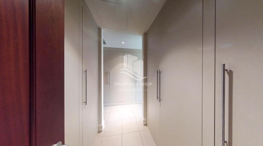 WalkIn Closet-Modern & Bright 2Br With 4 Cheques For Rent