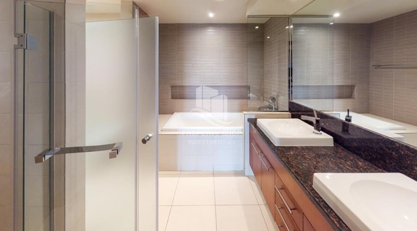 Bathroom-Modern & Bright 2Br With 4 Cheques For Rent