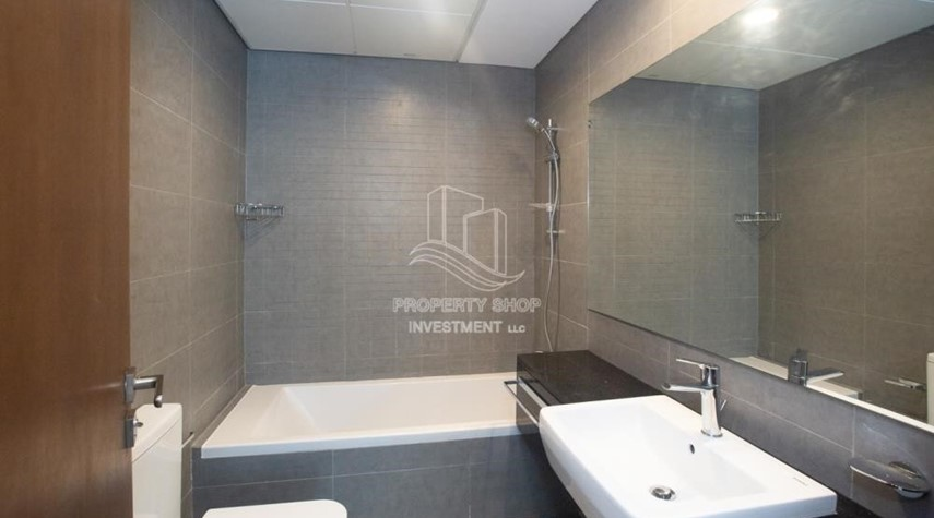 Bathroom-Spacious 2BR Apartment Available now in Parkside Residence!