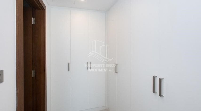 Built in Wardrobe-Spacious 2BR Apartment Available now in Parkside Residence!