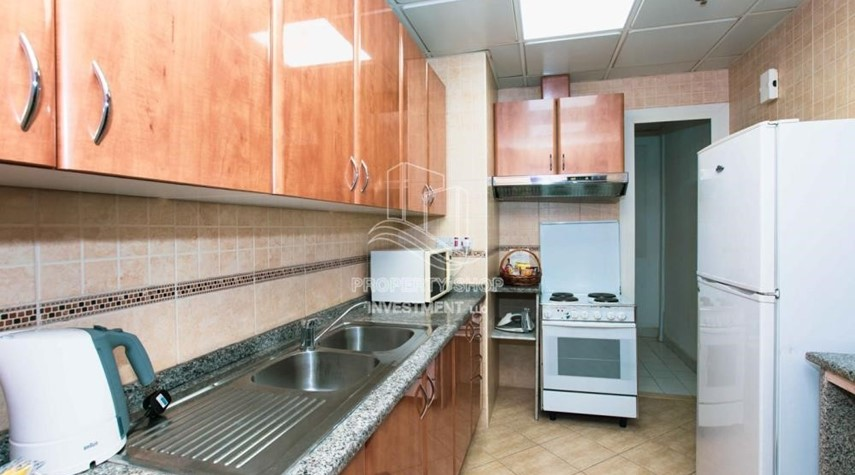 Kitchen-Stunning 2 BR  Hotel apartment for rent, 4 Cheques!