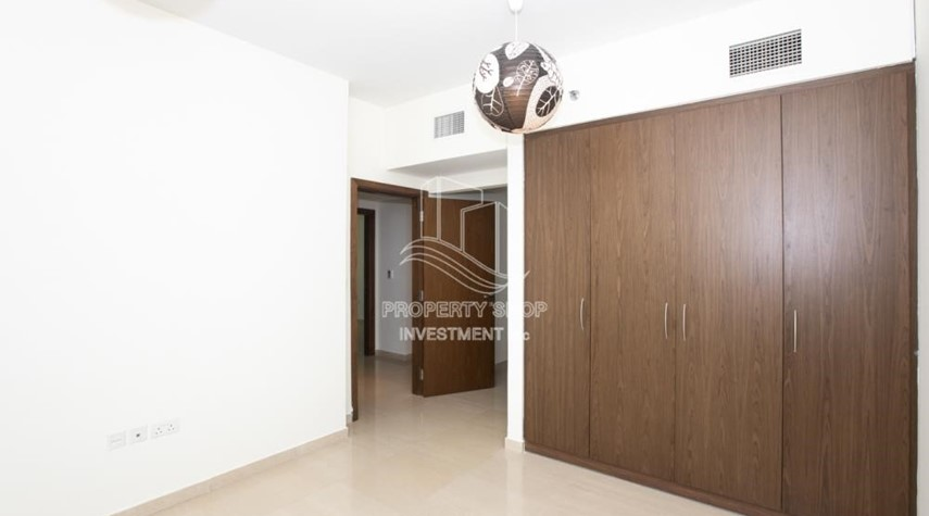 Built in Wardrobe-0% No Commission fees! 3BR Apt with Stunning Sea View!