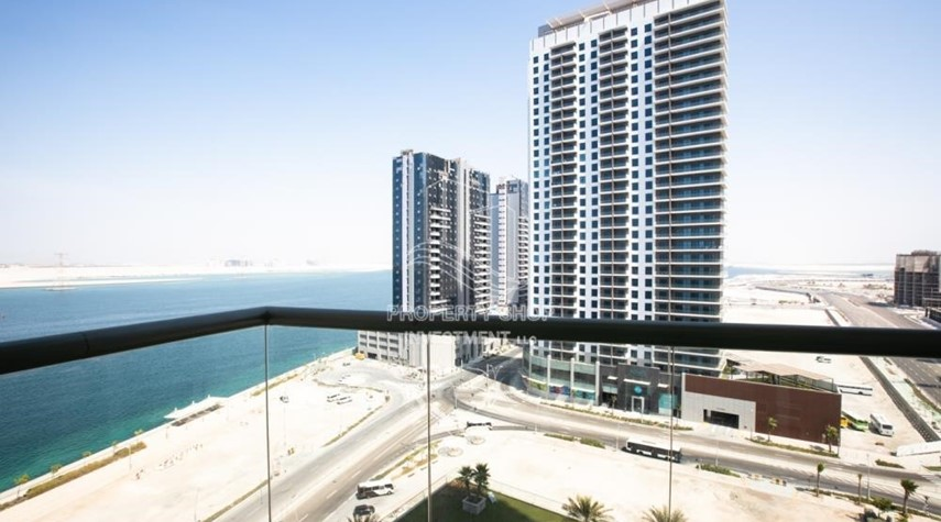 Balcony-0% No Commission fees! 3BR Apt with Stunning Sea View!