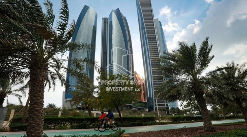 Property-Well Maintained 1BR Apt for rent in Etihad Towers 4.