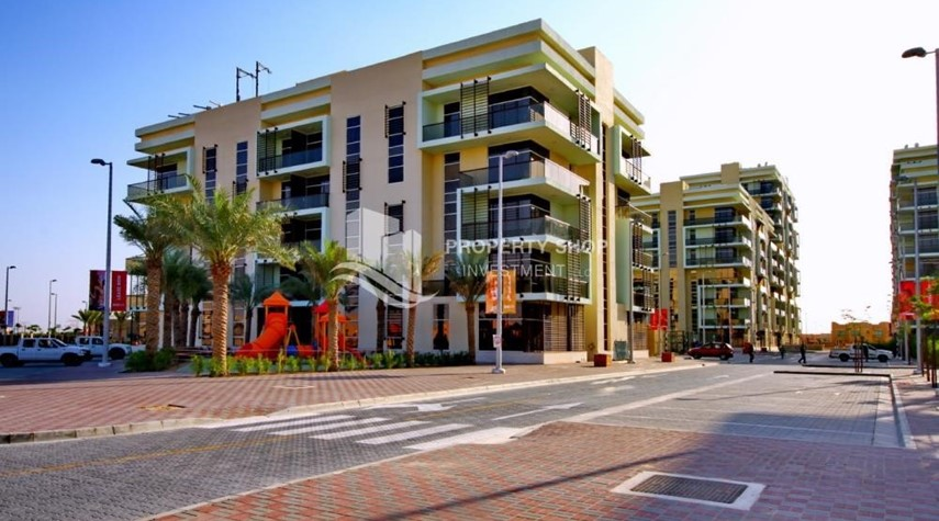 Property-3BR+M Apt with multiple balconies. Monthly payment offer + Zero Commission