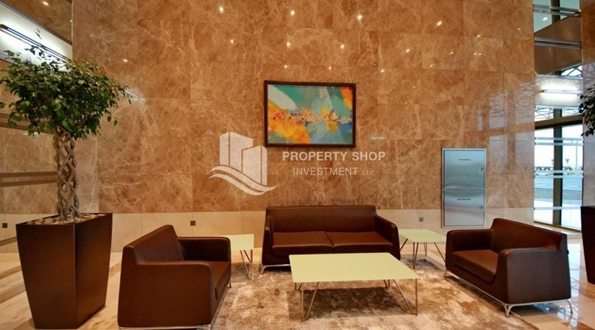 Sitting Area-Spacious Sea View 1+M BR with balcony.