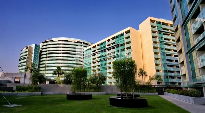 Property-2 bedrooms with partial sea and canal view