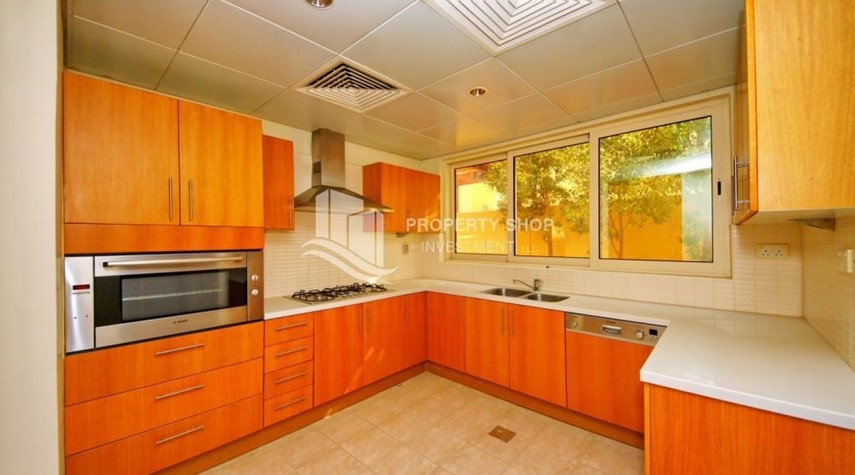 Kitchen-Vacant Type S Villa with High ROI + Pvt Pool.