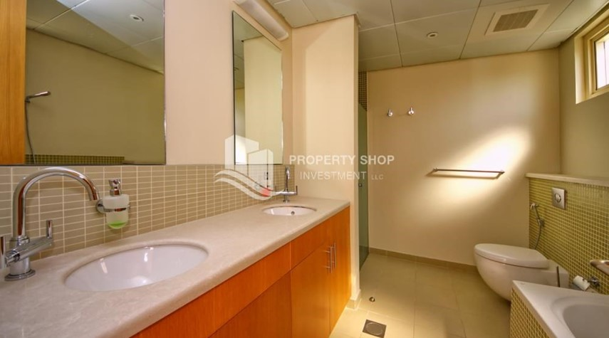 Master Bathroom-Vacant Type S Villa with High ROI + Pvt Pool.